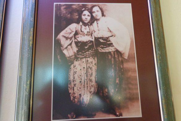 Moeder Teresa met haar zus