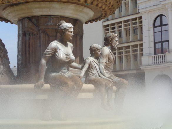 standbeelden en fonteinen Skopje