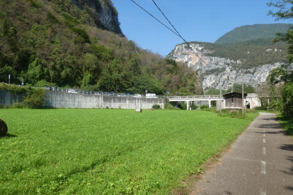 parkeren bij de brug voor de fietsroute langs de Brenta