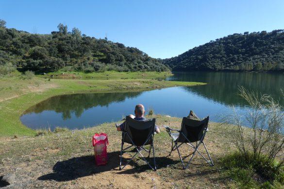 relaxen aan het Embalse de la Minilla